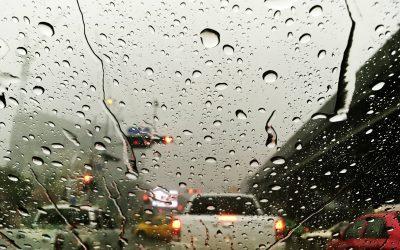 Hogyan vezessünk esőben?